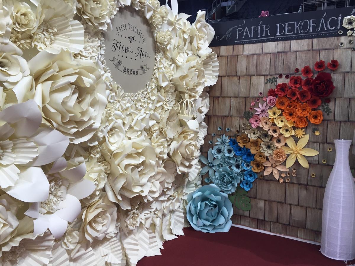 viágfal papírból esküvő kiállítás 2016